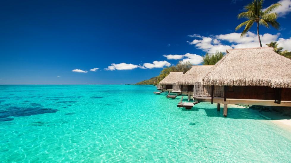 maldives_tropical_bungalows_sky_90627_1920x1080