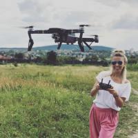 Dron w podróży