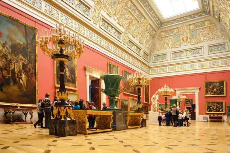 St.-Petersburg-The-Hermitage-Museums-architecture-and-interiors-1
